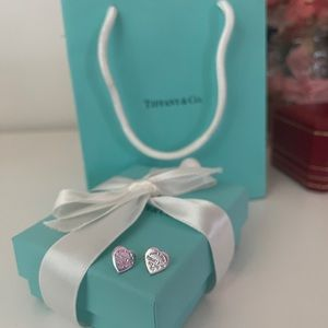 return to tiffany mini heart tag earrings